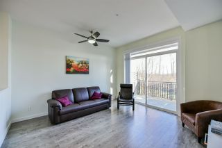 """Photo 3: 24 2310 RANGER Lane in Port Coquitlam: Riverwood Townhouse for sale in """"Fremont Blue"""" : MLS®# R2421395"""