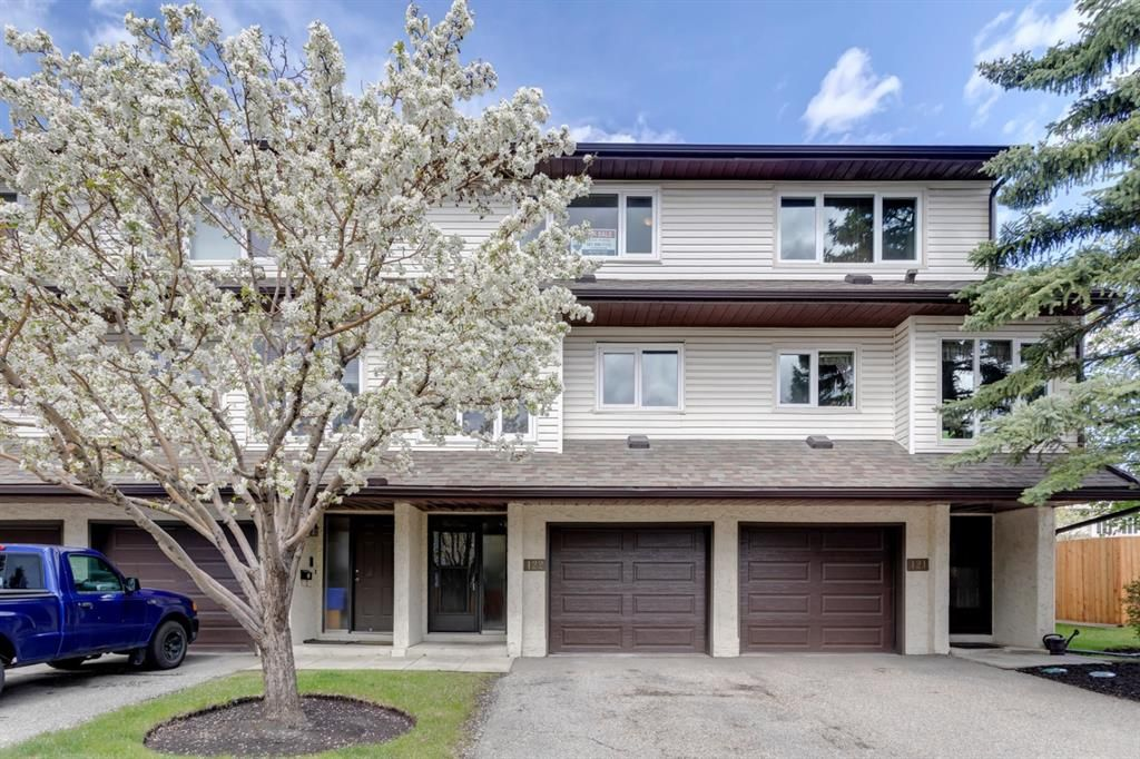 Main Photo: 122 1190 Ranchview Road NW in Calgary: Ranchlands Row/Townhouse for sale : MLS®# A1110261