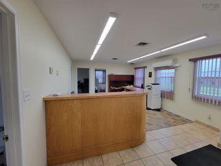 Photo 10: 453 Portsway Avenue in Edwardsville: 202-Sydney River / Coxheath Commercial  (Cape Breton)  : MLS®# 202122427