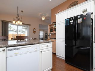 Photo 9: 2 7570 Tetayut Rd in : CS Hawthorne Manufactured Home for sale (Central Saanich)  : MLS®# 870811