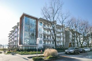 """Main Photo: 102 255 W 1ST Street in North Vancouver: Lower Lonsdale Condo for sale in """"WEST QUAY"""" : MLS®# R2529852"""