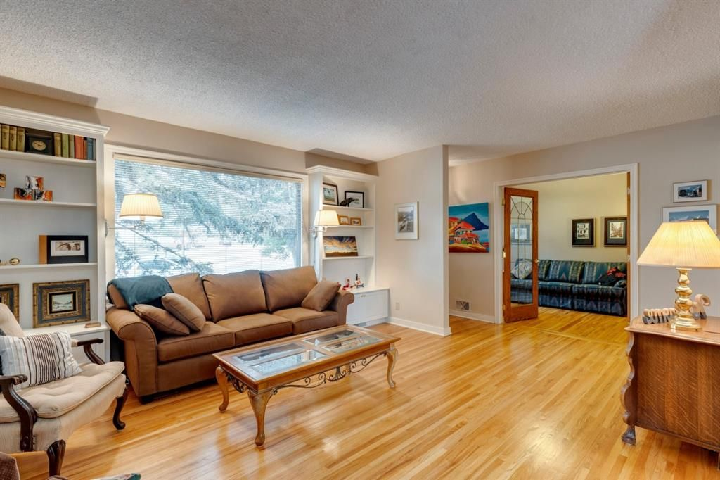 Main Photo: 2224 38 Street SW in Calgary: Glendale Detached for sale : MLS®# A1136875