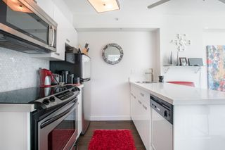 """Photo 4: 309 1889 ALBERNI Street in Vancouver: West End VW Condo for sale in """"LORD STANLEY"""" (Vancouver West)  : MLS®# R2343029"""