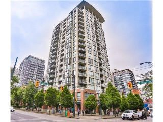 """Photo 1: 617 1082 SEYMOUR Street in Vancouver: Downtown VW Condo for sale in """"Freesia"""" (Vancouver West)  : MLS®# R2533944"""