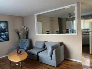 Photo 4: 418 SMALLWOOD Crescent in Saskatoon: Confederation Park Residential for sale : MLS®# SK873758