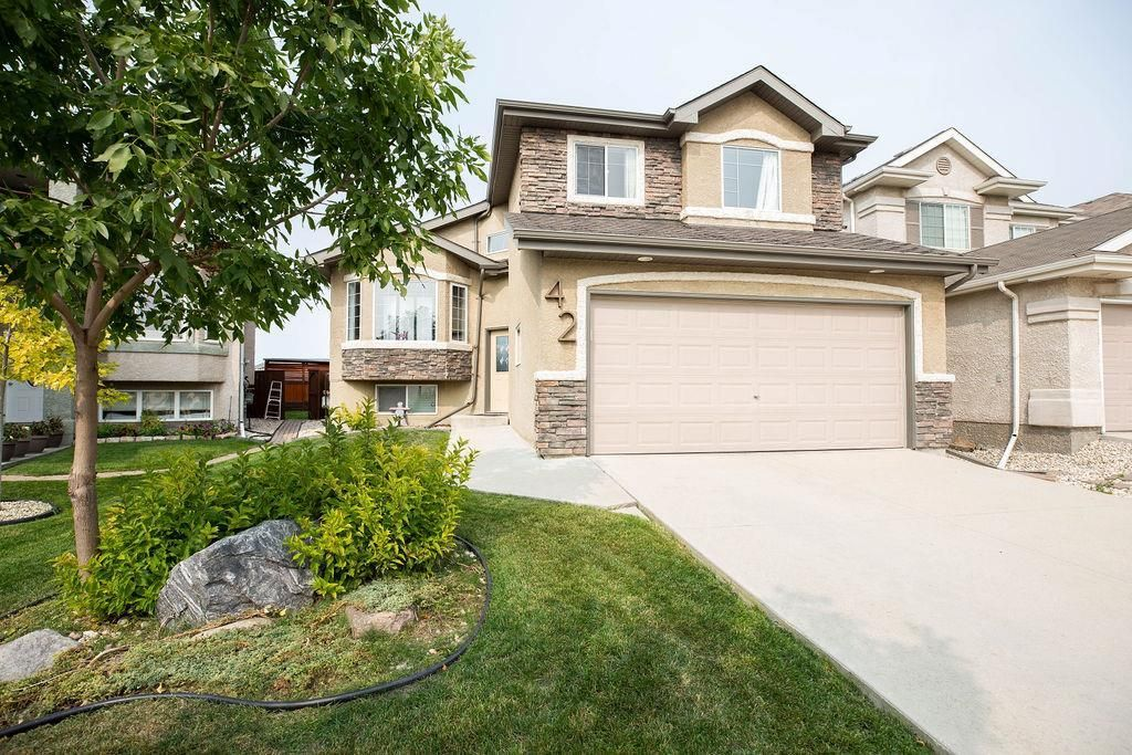 Main Photo: 42 Marydale Place in Winnipeg: Residential for sale (4E)  : MLS®# 202023554