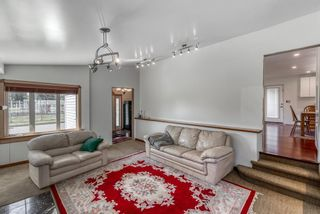Photo 5: 633 Agate Crescent SE in Calgary: Acadia Detached for sale : MLS®# A1112832