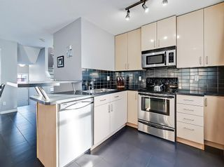 Photo 11: 3072 New Brighton Garden SE in Calgary: New Brighton Row/Townhouse for sale : MLS®# C4300460