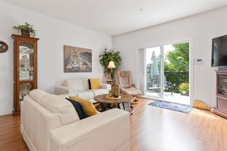 """Photo 4: 19 19572 FRASER Way in Pitt Meadows: South Meadows Townhouse for sale in """"COHO II"""" : MLS®# R2472866"""
