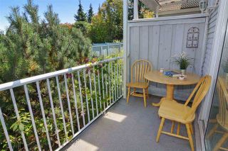 """Photo 2: 38 13706 74 Avenue in Surrey: East Newton Townhouse for sale in """"Ashlea Gate"""" : MLS®# R2094786"""