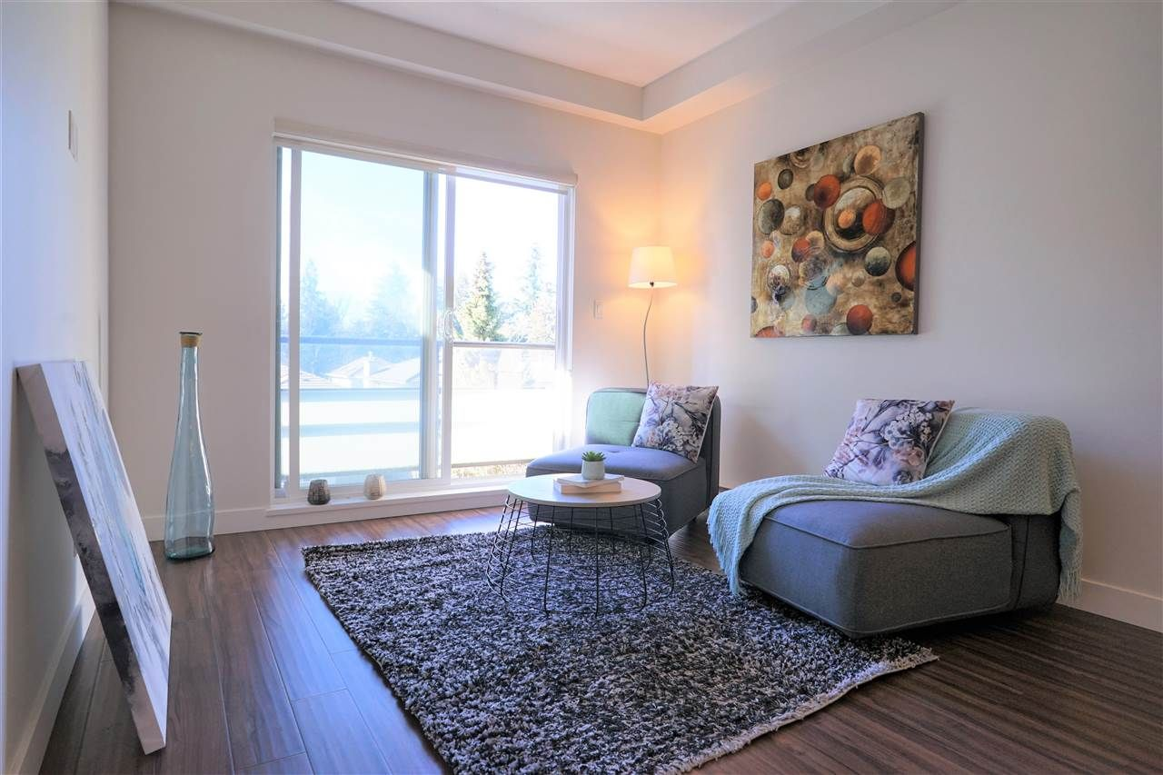 Main Photo: 206 7727 ROYAL OAK AVENUE in : South Slope Condo for sale : MLS®# R2344264