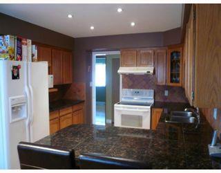 Photo 3: 11580 WARESLEY Street in Maple_Ridge: Southwest Maple Ridge House for sale (Maple Ridge)  : MLS®# V695249