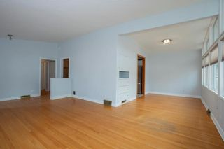 Photo 5: 878 Beaverbrook Street in Winnipeg: River Heights South Residential for sale (1D)  : MLS®# 202028124