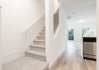 """Photo 7: 218 13958 108 Avenue in Surrey: Whalley Townhouse for sale in """"AURA 3"""" (North Surrey)  : MLS®# R2622290"""