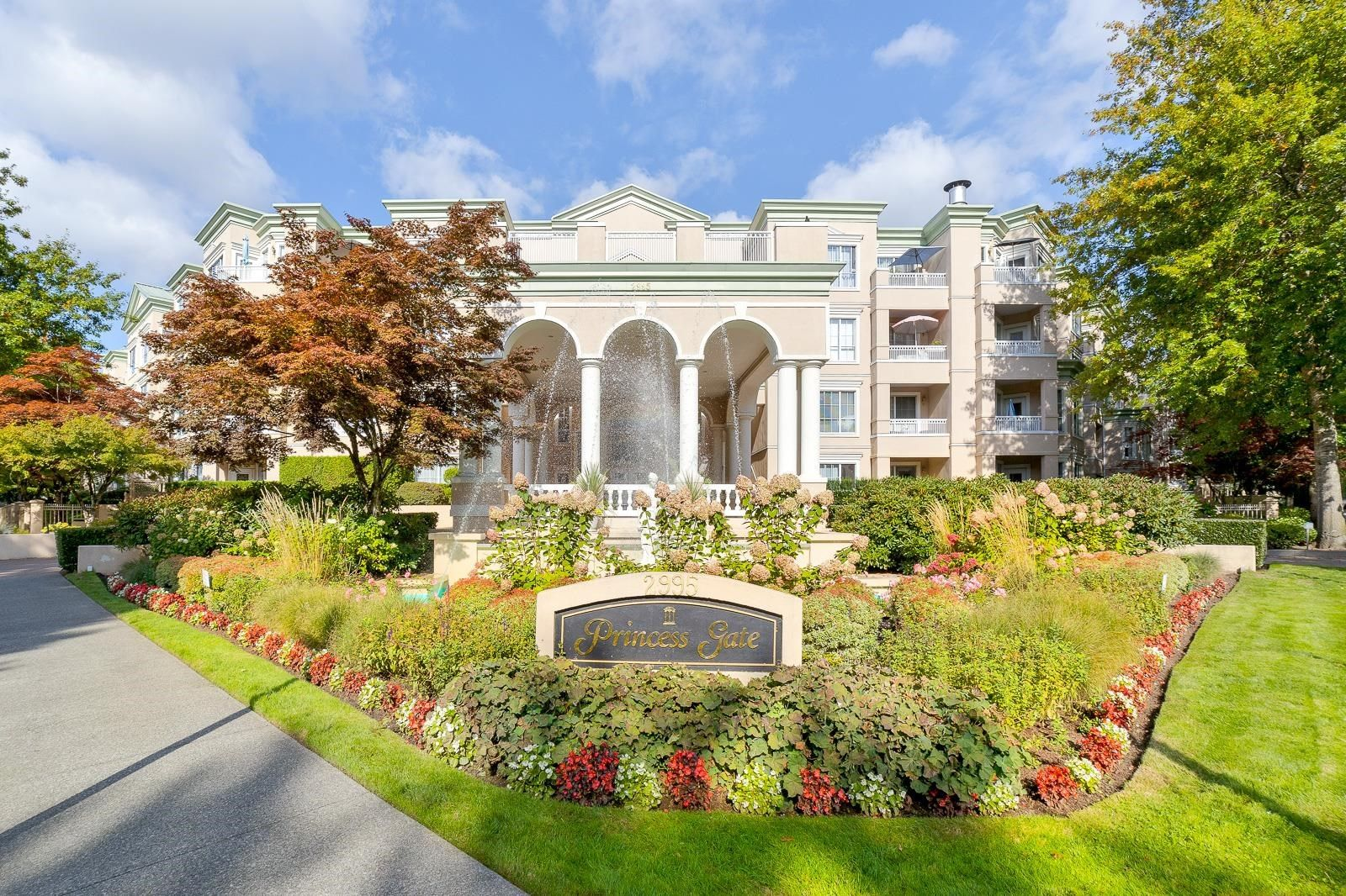 """Main Photo: 315 2995 PRINCESS Crescent in Coquitlam: Canyon Springs Condo for sale in """"PRINCESS GATE"""" : MLS®# R2621080"""