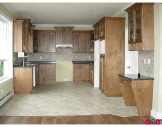 Photo 3: 6409 174A Street in Surrey: Cloverdale BC House for sale (Cloverdale)  : MLS®# F2724408