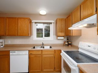Photo 6: 4060 Angeleah Pl in : SW West Saanich House for sale (Saanich West)  : MLS®# 870849