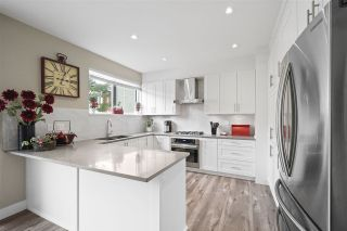 """Photo 4: 43 2687 158 Street in Surrey: Grandview Surrey Townhouse for sale in """"Jacobsen"""" (South Surrey White Rock)  : MLS®# R2406998"""