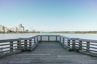 Photo 6: 1104 210 Salter Street in New Westminster: Queensborough Condo for sale