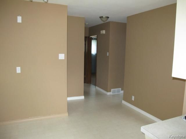 Photo 7: Photos:  in WINNIPEG: East Kildonan Residential for sale (North East Winnipeg)  : MLS®# 1414106