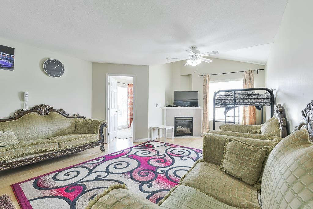 "Photo 8: Photos: 313 12739 72 Avenue in Surrey: West Newton Condo for sale in ""NEWTON COURT"" : MLS®# R2293338"