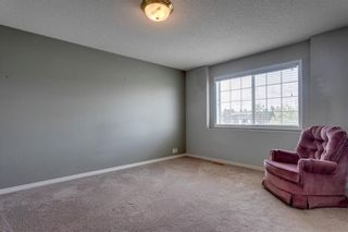 Photo 17: 33 SILVERGROVE Close NW in Calgary: Silver Springs Row/Townhouse for sale : MLS®# C4300784