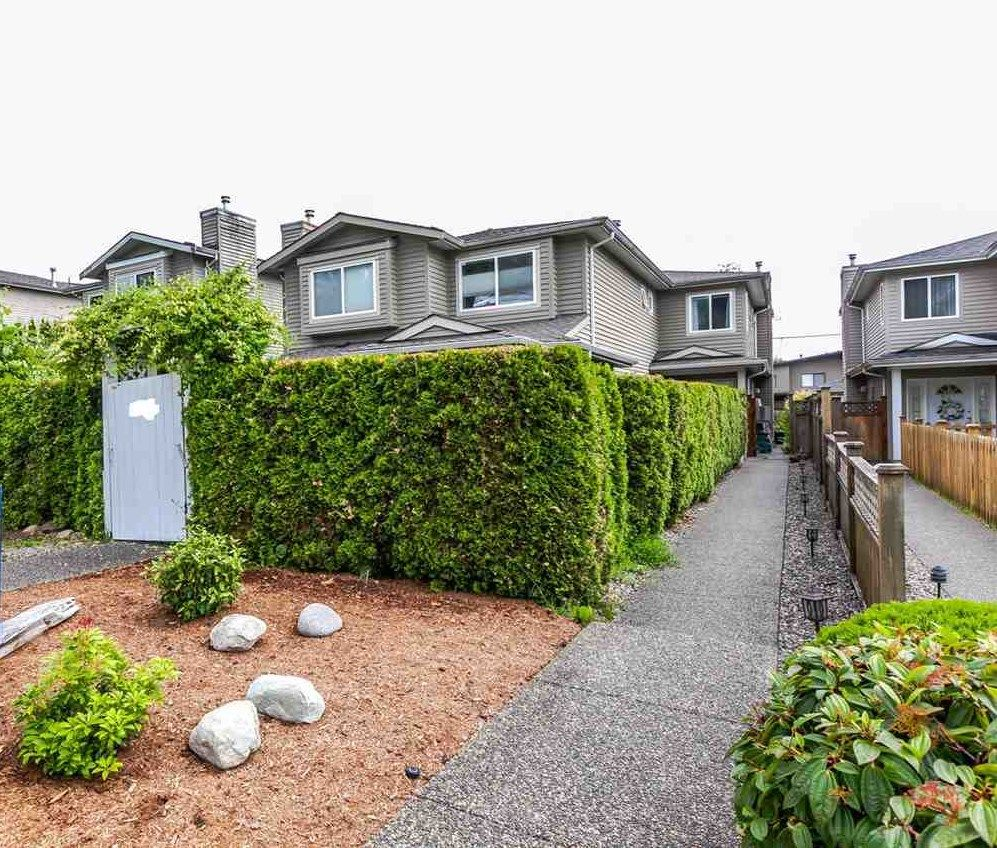 Main Photo: 245 W 19TH. STREET in : Central Lonsdale 1/2 Duplex for sale : MLS®# R2178205