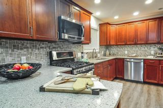 Photo 3: 2552 Rainbow Rd in : CR Campbell River North House for sale (Campbell River)  : MLS®# 883603