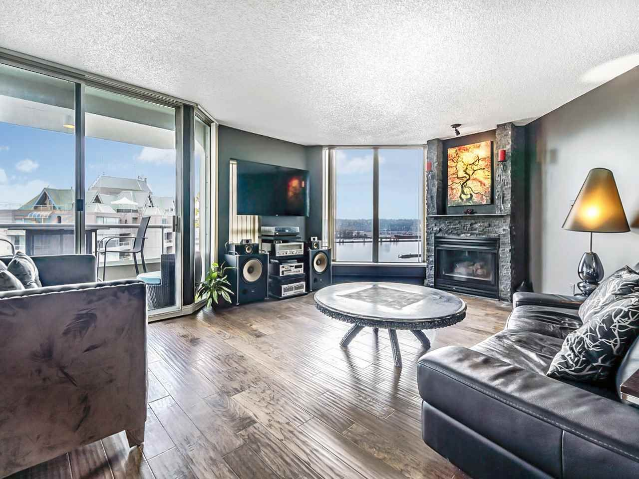 "Main Photo: 1701 1135 QUAYSIDE Drive in New Westminster: Quay Condo for sale in ""ANCHOR POINT"" : MLS®# R2534651"
