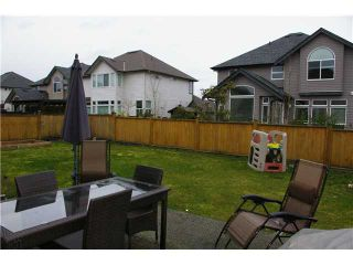 """Photo 9: 19485 THORBURN Way in Pitt Meadows: South Meadows House for sale in """"RIVERS EDGE"""" : MLS®# V991085"""