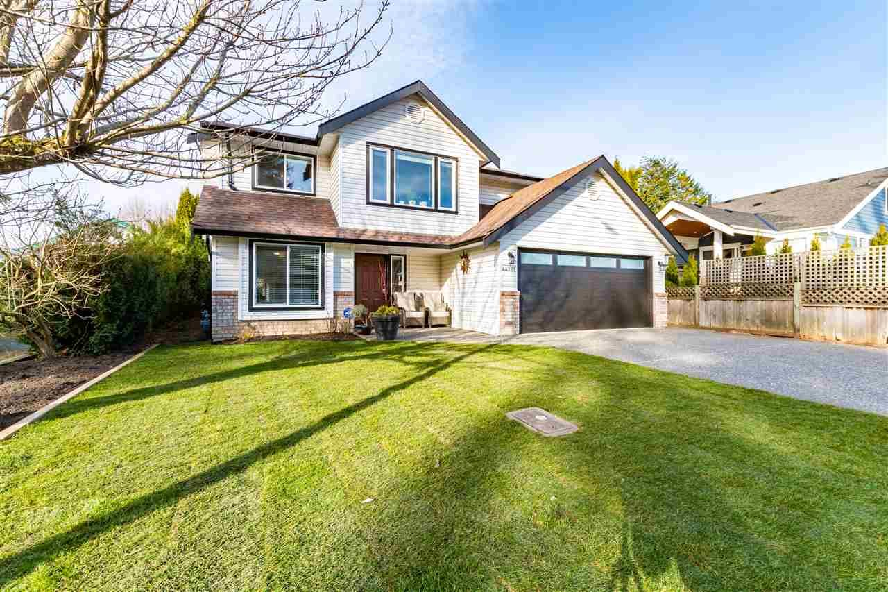 Main Photo: 44781 CUMBERLAND Avenue: House for sale in Chilliwack: MLS®# R2546098