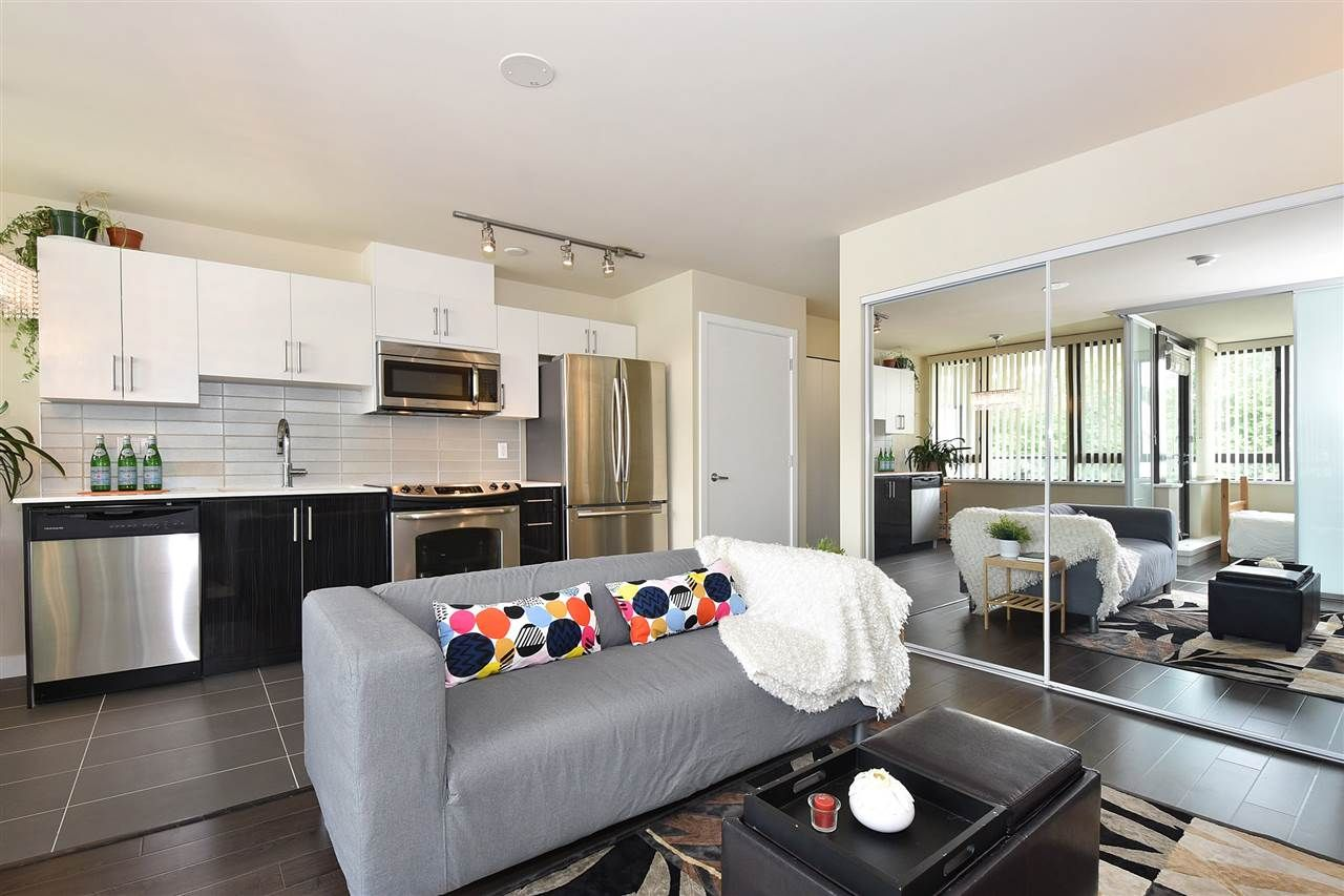 """Main Photo: 308 2689 KINGSWAY in Vancouver: Collingwood VE Condo for sale in """"Skyway Towers"""" (Vancouver East)  : MLS®# R2298880"""