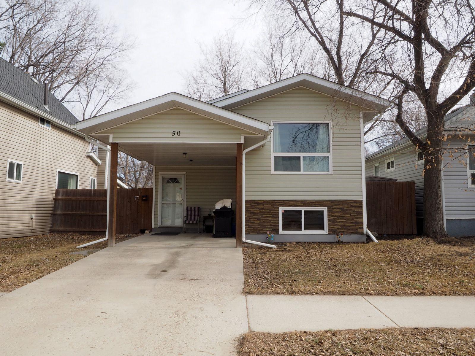Main Photo: 50 1st Street SW in Portage la Prairie: House for sale : MLS®# 202105577