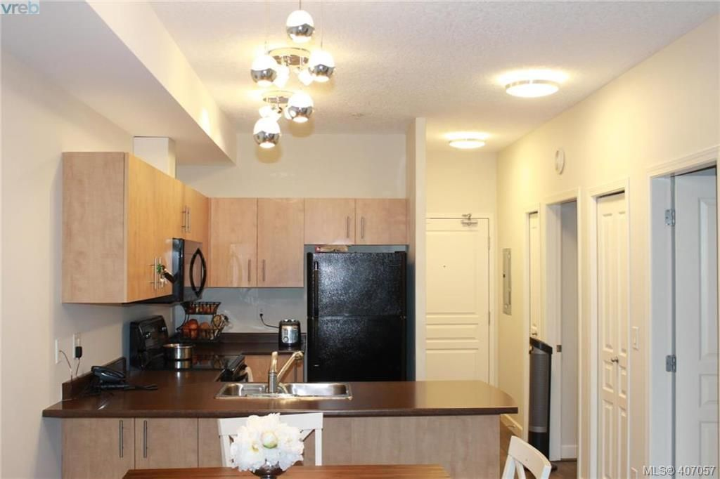 Photo 2: Photos: 103 825 Goldstream Ave in VICTORIA: La Langford Proper Condo for sale (Langford)  : MLS®# 808915
