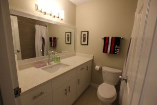 """Photo 11: 14821 HOLLY PARK Lane in Surrey: Guildford Townhouse for sale in """"HOLLY PARK LANE"""" (North Surrey)  : MLS®# R2226961"""