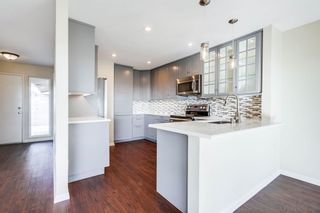 Photo 1: MISSION VALLEY Townhouse for sale : 3 bedrooms : 6211 Caminito Andreta in San Diego