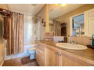 Photo 13: 111 Hillview Terrace: Strathmore Townhouse for sale : MLS®# C3601996