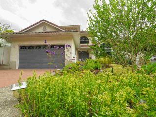 "Photo 2: 40518 N HIGHLANDS Way in Squamish: Garibaldi Highlands House for sale in ""Garibaldi Highlands"" : MLS®# R2462052"