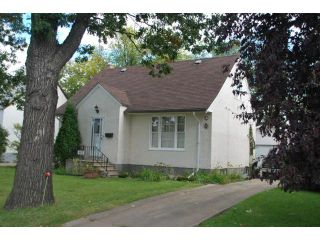 Photo 2: 419 TRURO Street in WINNIPEG: St James Residential for sale (West Winnipeg)  : MLS®# 1018302