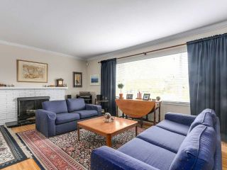 Photo 1: 8471 FAIRHURST Road in Richmond: Seafair House for sale : MLS®# R2141922
