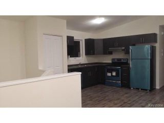 Photo 7: 349 ROSEBERRY Street in WINNIPEG: St James Residential for sale (West Winnipeg)  : MLS®# 1322822