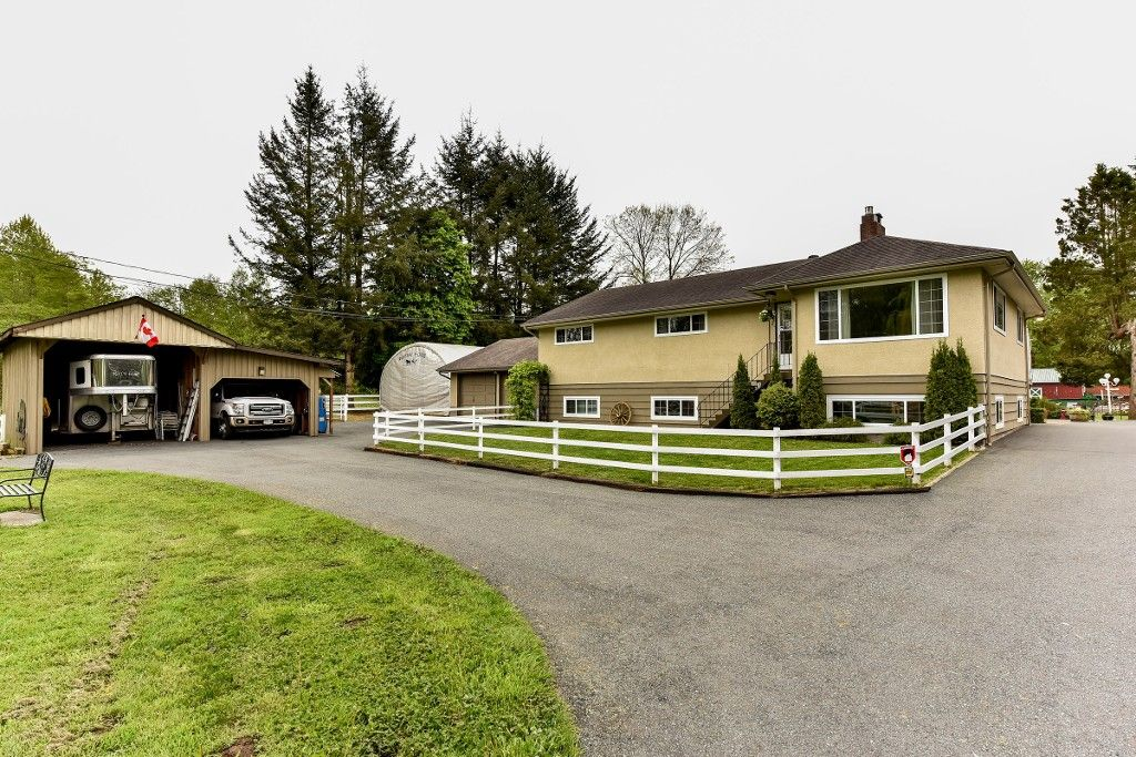 Main Photo: 25786 62 in : County Line Glen Valley House for sale (Langley)  : MLS®# f1439719