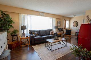 Photo 7: 30 LaVerendrye Crescent in Portage la Prairie: House for sale : MLS®# 202108992