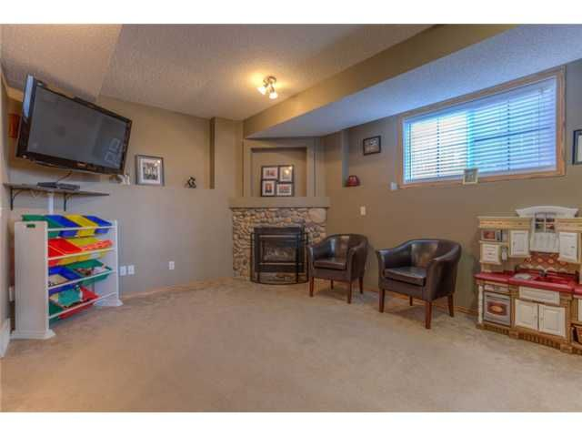 Photo 12: Photos: 168 EVERSYDE Circle SW in CALGARY: Evergreen Residential Detached Single Family for sale (Calgary)  : MLS®# C3620435