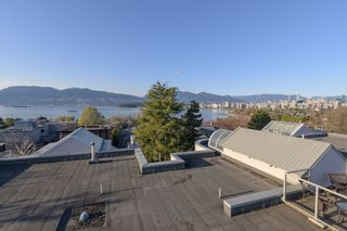 """Photo 15: 205 2428 W 1ST Avenue in Vancouver: Kitsilano Condo for sale in """"NOBLE HOUSE"""" (Vancouver West)  : MLS®# R2450860"""