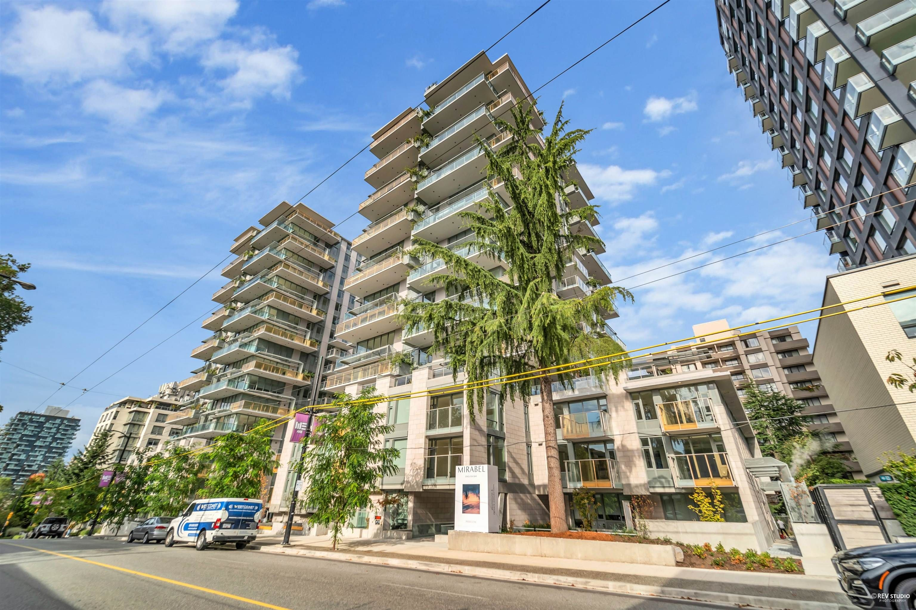 """Main Photo: 304 1365 DAVIE Street in Vancouver: West End VW Condo for sale in """"MIRABEL"""" (Vancouver West)  : MLS®# R2625144"""