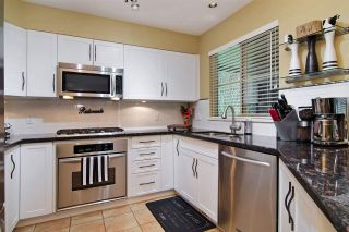 """Photo 9: 63 1550 LARKHALL Crescent in North Vancouver: Northlands Townhouse for sale in """"NAHNEE WOODS"""" : MLS®# R2025165"""