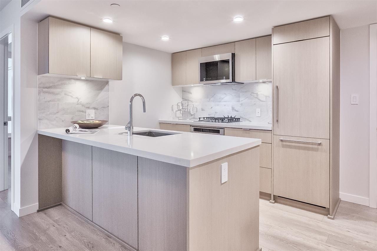 """Main Photo: 705 8238 LORD Street in Vancouver: Marpole Condo for sale in """"NORTHWEST"""" (Vancouver West)  : MLS®# R2427094"""