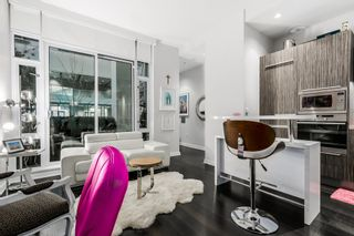 """Photo 7: 10 ATHLETES Way in Vancouver: False Creek Condo for sale in """"Kayak at the Village"""" (Vancouver West)  : MLS®# R2026611"""