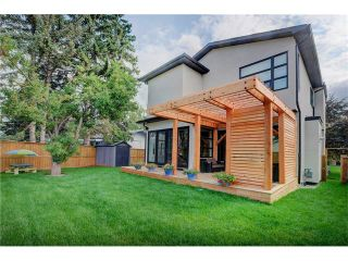 Photo 34: 6427 LAURENTIAN Way SW in Calgary: North Glenmore Park House for sale : MLS®# C4077730